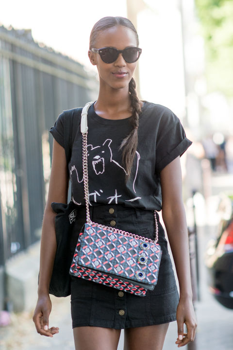 summer-style-graphic-tee-black-mini-skirt-paris-couture-street-style-via