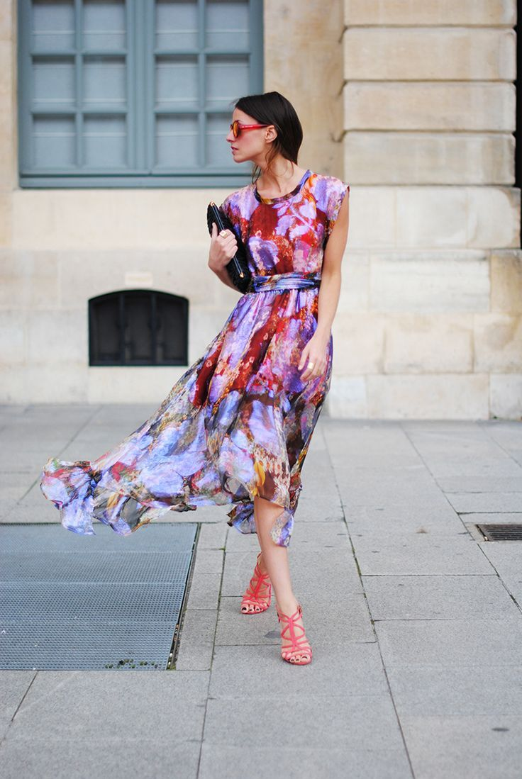 summer-wedding-floral-dress-cocktail-party-via-
