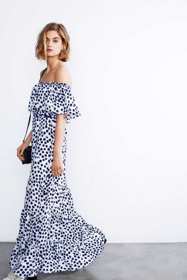 summer-wedding-long-off-the-shoulder-dress-poka-dots-navy-and-white-via-vvogueco.uk