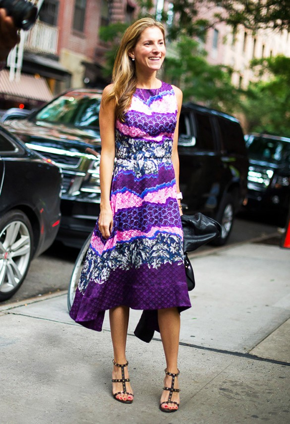 summer-work-outfit-party-wedding-date-night-printed-midi-dress-studded-sandals-via-gastro chic