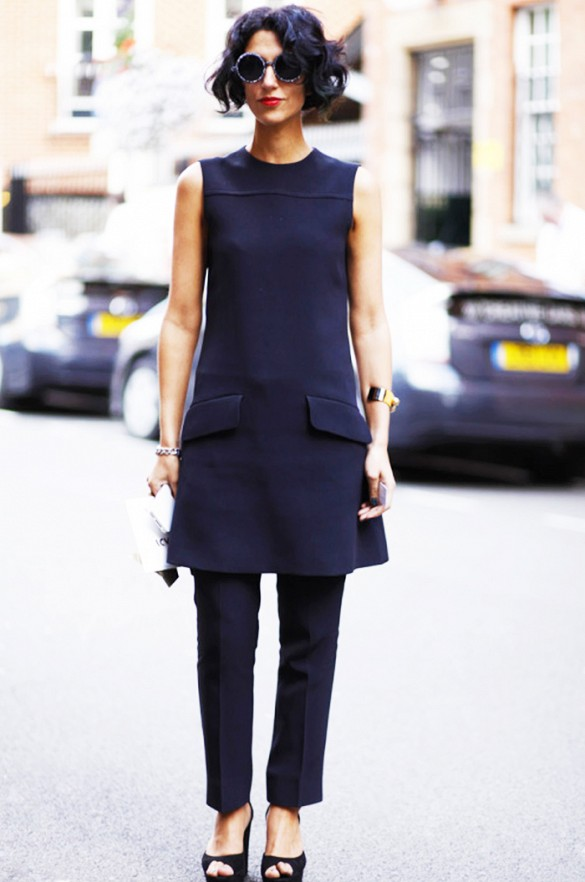 summer-work-outfit-tunic-pants-navy-minimalist-modern-classic-via-www