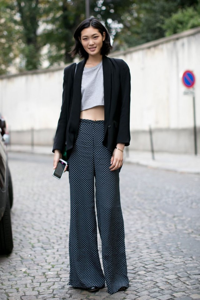 summer work outfit, polka dots, wide leg pants, crop top, blazer,