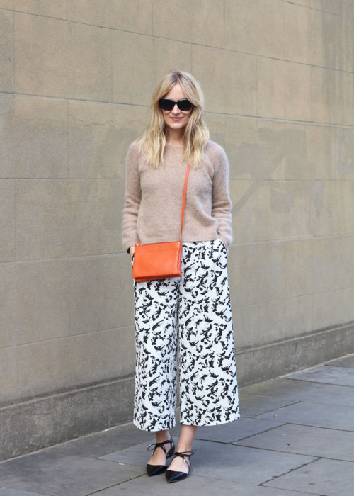 fall outfit, printed culottes, sweater, transitional dressing, blame it on fashion