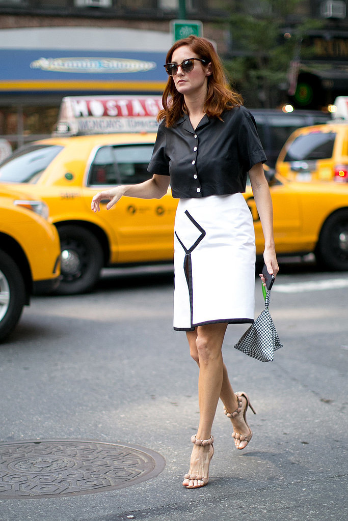 summer-work-outfit-black-and-white-white-pencil-skirt-piping-black-shirt-sandals-via-popsguar