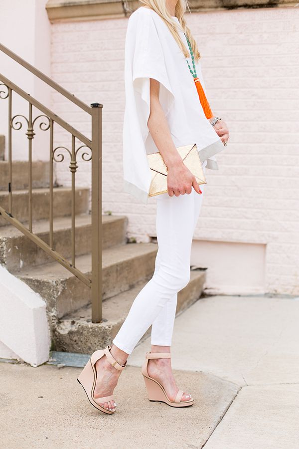 white-jeans-tunic-tassle-summer-going-out-outfit-tassles-via-luellajunecom