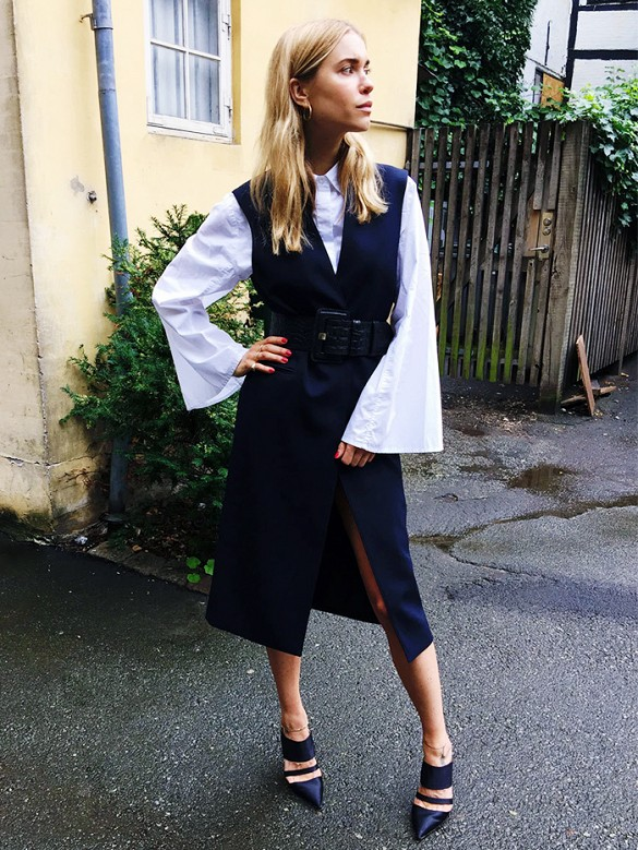 bell seleves, sleeves vest jacket, belt, cuffs, pointy toe mules, navy and black