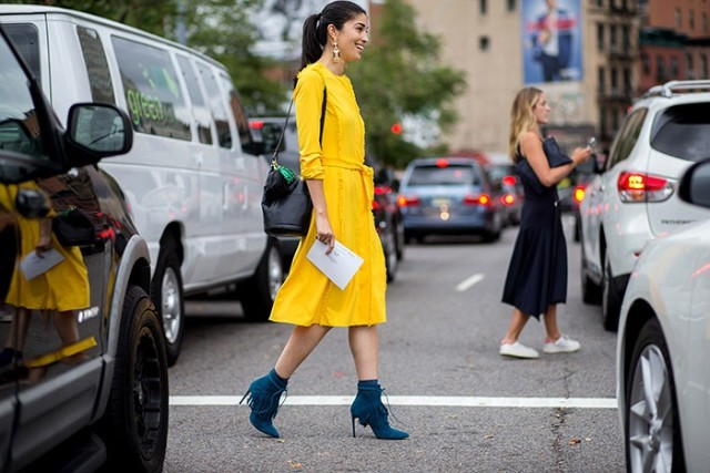 caroline issa-yellow dress-fringe-fall dress fall work outfit-statement earrings-fall colors-fringe booties-turquoise booties-via the styleograph-tassle purses bucket bag