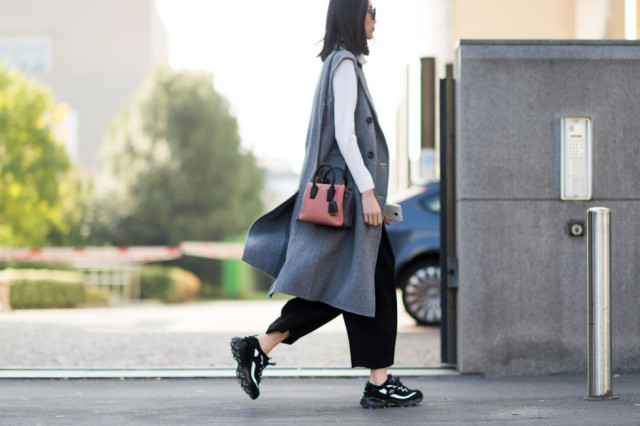 culottes short sleeve jacket sleeveless jacket long vest-sneakers gym shoes-milan fashion week