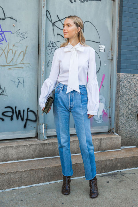 mom jeans high waisted jeans, cropped jeans and booties, bow blouse, tie front blouse, bell sleeves, fall work outfits, weekend outfits, nyfw street style, look de pernille