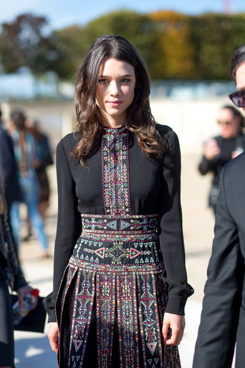 fall boho prints dress ethnic prints tribal motifs fall dress valentino hbz-street-style-paris-fashion week pfw-fall fashion