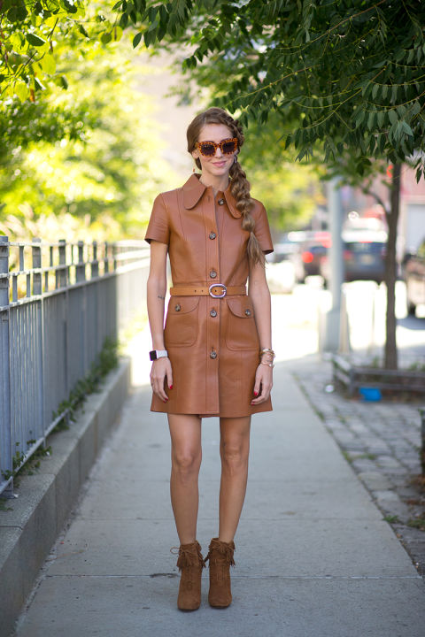 fall dresses-leather shirt dress-fall neutrals-caramel leather shirt dress-fringe booties-chaira ferragni-blonde salad-nyfw-via-hbz