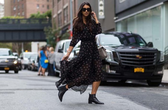 fall printed dess-boho maxi dress-ankle boots-chelsea-boots-fall outfits-shower-work-via-the styleograph