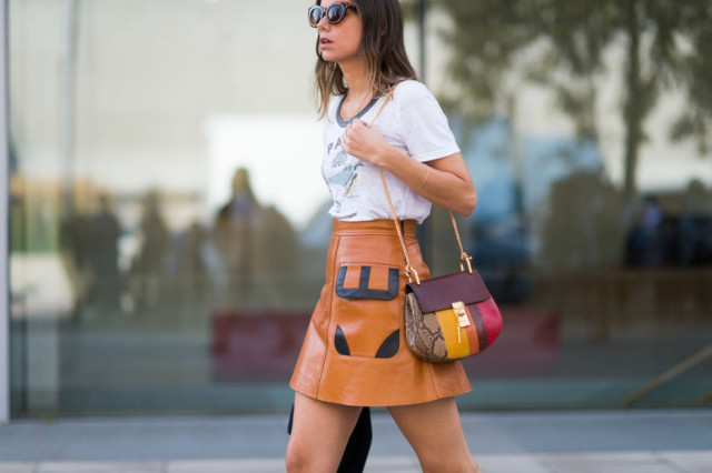fall skirt-tan leather-tee-fall purse-patchwork-fall colors-lfw street style-elle.com