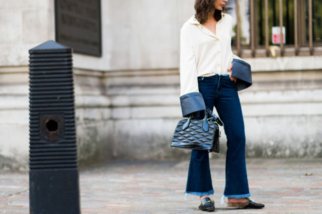 frayed denim-cropped flares-cropped flare jeans-loafers-big cuffs-bell sleevres-fall outfits-work-weekend-brunch-lfw street style-elle.com