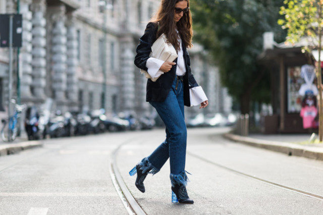 frayed denim oversized cuffs-bell sleeves-boho 70s-mod booties-milan fashion week elle