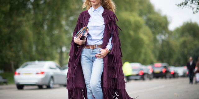 lfw street style fall style  mom jeans, fringe coat, burgundy, oxford shirt, belt