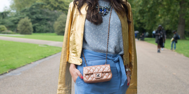 lfw street style fall style  wrap skirt chunky sweater gold metallic jacket chanel purse statement necklace