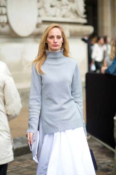 how to wear white skirts in winter, grey turtleneck sweater, white and grey gray, lauren santa domingo, ladylike, winter work outfit, holiday outfit, grey funnel neck turtleneck mock neck seater white skirt dress fall whites sweater over dress style hack modern minimalist fall work laura santa domingo lsd hbz-street-style-paris-fashion week pfw-fall fashion