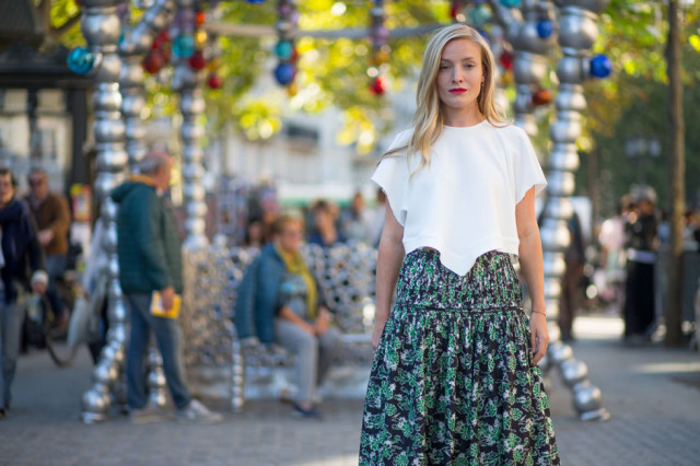 paris fashion week street style midi fall prints boho prints skirt hankerchief shirt white tee printed skirt fall florals
