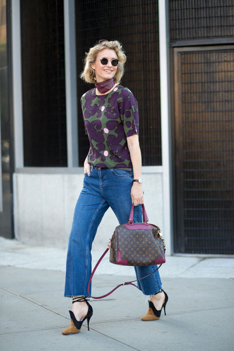 fall prints, fall colors, cropped flares, dorsay fall heels, scarf neck scarf bandana, fall going out outfit, work outfit, date night, hbz-street-style-nyfw-ss2016-day8-04