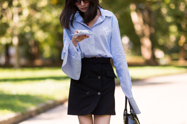 major cuffs-oxord shirt-monogrammed shirt-button front skirt-milan fashion week street style-via elle.com