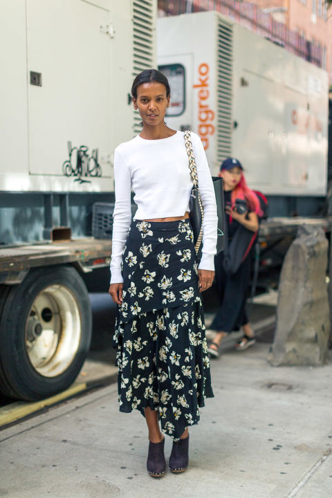 maxi-skirt-clogs-crop-top-fall-florals-dark-florals-nyfw-street-style-hbz-fall-work-outfit