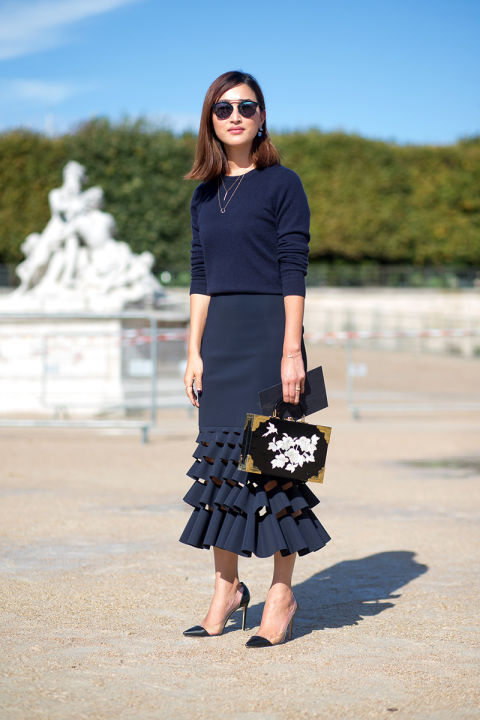 navy ruffle skirt tiered ruffles layered necklace pendants two tone heels fall work outfit office to out box purse hbz-street-style-paris-fashion week pfw-fall fashion