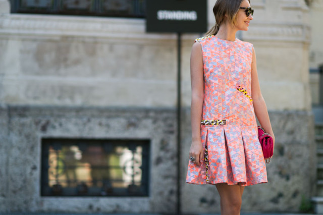 neon geometric prints-fall prints-milan fashion week street style-via elle.com-chain metal