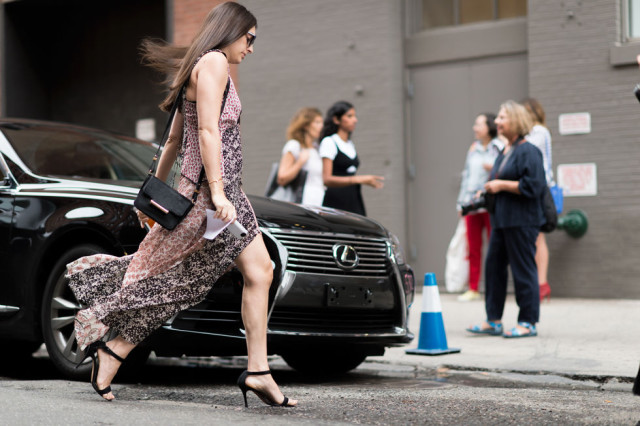 nyfw-fall outfits-via-elle.com-boho patchwork print dress-night to day dressing-evening to day-simple black sandals-fall dress-maxi dress