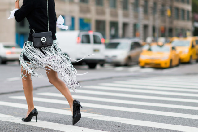 nyfw-fall outfits-via-elle.com-car wash carwash pleat skirt - black and white- graphic