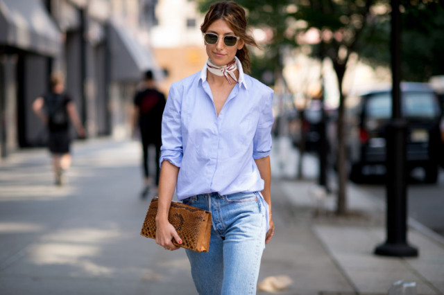 nyfw-fall outfits-via-elle.com-jeans-mens oxford shirt-classic-simple-scarf-weekend outfit