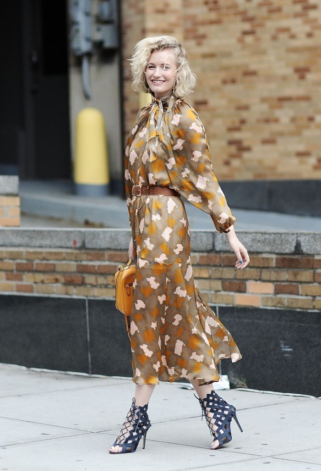 nyfw-printed maxi dress -cage sandals - tie neck - fall fashion -fall work outfit-zanita whittington-via getty