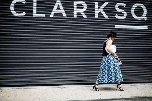 nyfw-transtiional dressing-summer to fall - maxi skirt - printed skirt - heels -hat-via-popsugar