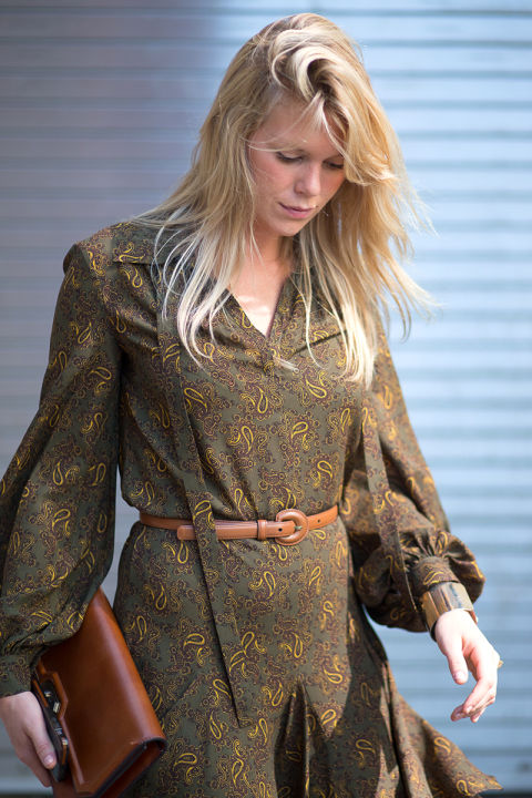 nyfw-via-hbz-fall boho prints-boho dress-tie front dress-belt-tan caramel -leather -paisley-green-fall colors-mini dress-alexandra richards-v
