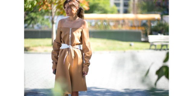 off the shoulder-fall dresses-camel khaki leather dress-belted-ponytail-going out-ngiht out-party-nyfw-via-hbz