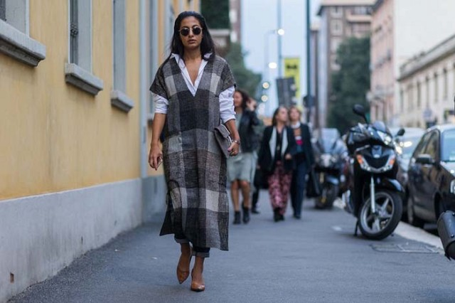 plaid dress cape tunic-white oxford shirt dress over pants rolled jeanspointy toe flats-milan fashion week -www
