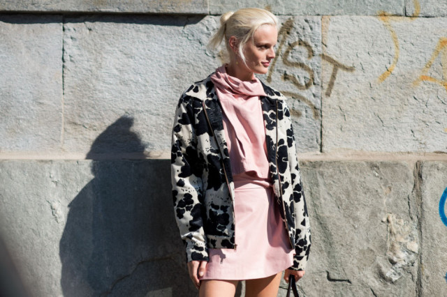 printed jacket -blush set-milan fashion week street style-via elle.com
