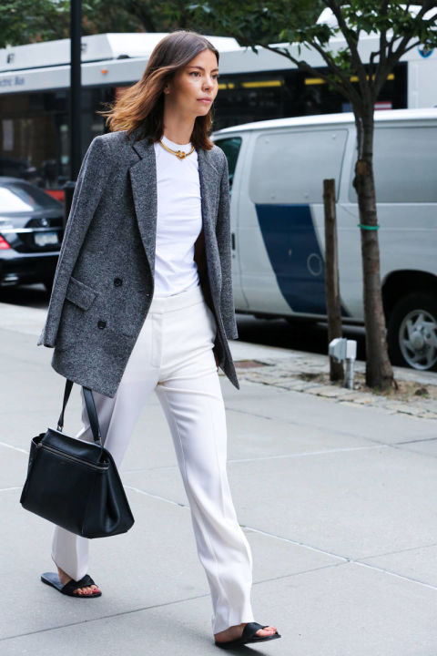 summer-to-fall-transitional-dressing-white pants- white tee - grey blazer - choker- slides - via elle.com