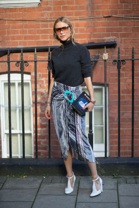 turtlneck with wrap skirt and mary janes, look de pernille, glasses