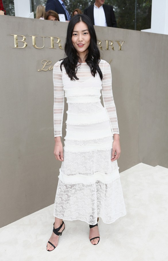 white lace dress lace maxi drss midi dress textured white afte rlabor day going out night out bridal work london fashion week liu wen