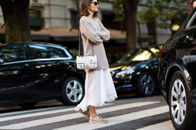white maxi dress-silver creepers-oversized sweater-summer to fall-transitional dressing maria duenas jacobs-milan fashion week street style-via elle.com