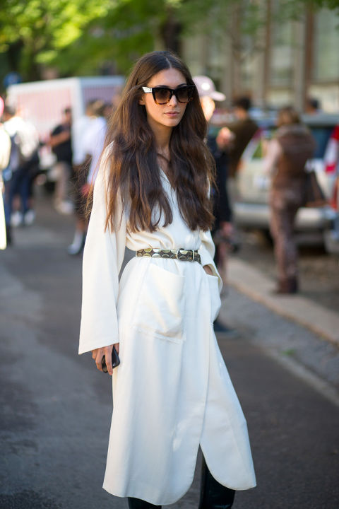 whtie robe dress wrap dress-belted shirted dress-white fall whites-milan fashion week street style-via hbz