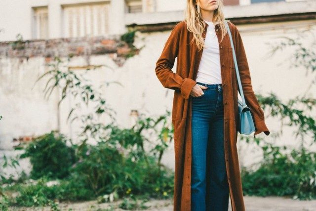 paris fashion week street style fall outfits cropped jeans white tee suede coat duster coat fall coats