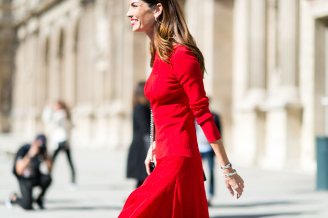 what to wear to holiday parties, red dress