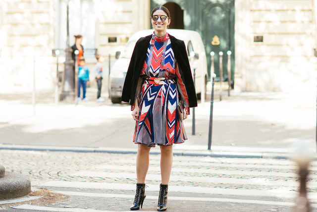 fall prints caroline issa fall dresse red white and blue velvet blazer ccaroline issa bfa Paris-Fashion-Week-Day-4
