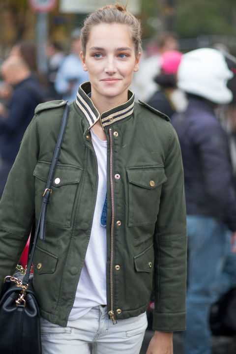 hbz-paris fashion week street style army grene military jacket green model off duty