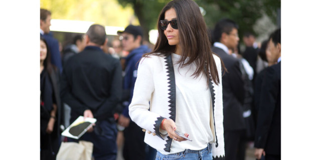 paris fashion week street style white tee
