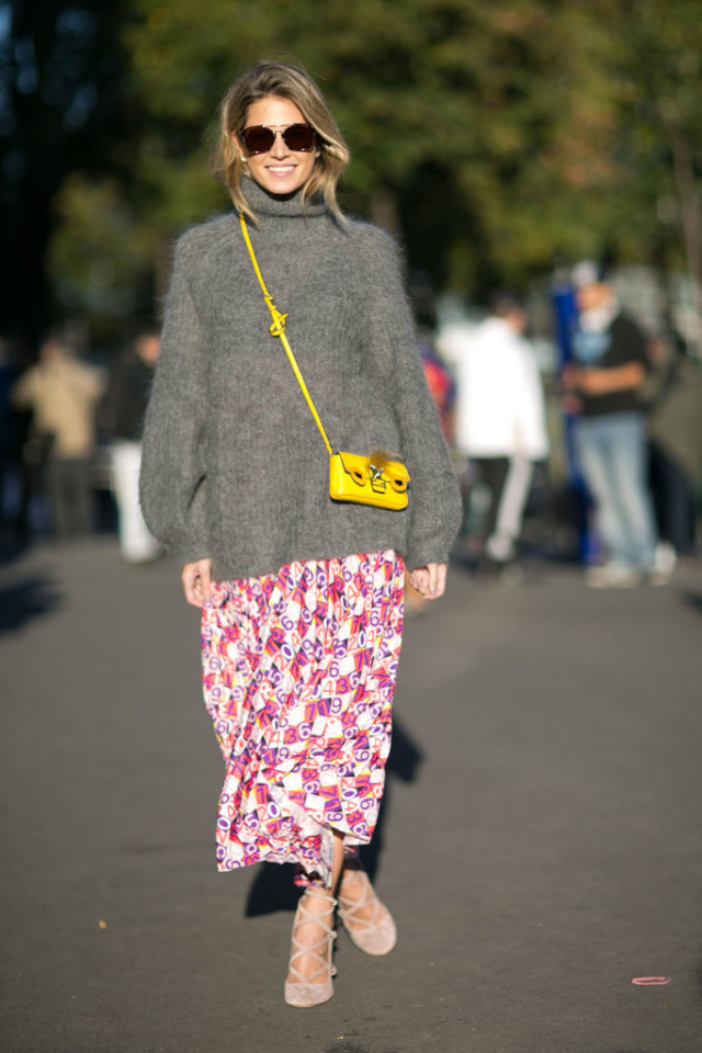 winter outfits, oversized mohair turtleneck sweater, printed maxi skirt, sweater over dress, yellow bag, helena borden