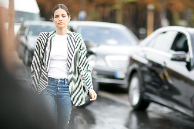 maria duenas jacobs bold stripes striped blazer white tee jeans Paris-Fashion-Week-Day-8