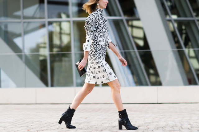 paris fashion week pfw street style elle black and white dress geometric bold prints abstract prints ankle boots buckle boots fall dresses